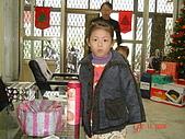 2006年聖誕節公司聚餐:琬沁幫媽媽抽獎