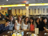 i love you girls:1320881934.jpg