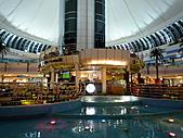 2010杜拜土耳其奢華之旅_7_阿布達比旅遊花絮:阿布達比Marina_Mall200.JPG