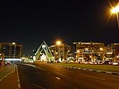 2010杜拜員工團之二:塔樓夜景001.JPG