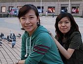 08-10-25帶著士愷和老婆跟阿姨去微風吃飯:DSC_0532.jpg