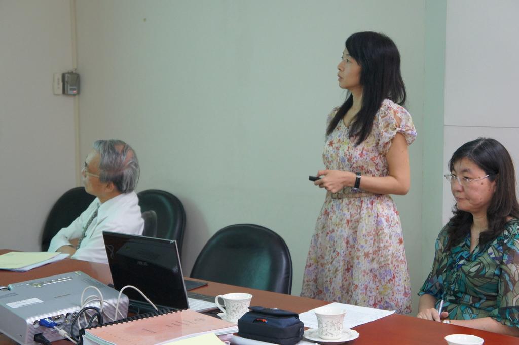 1041006 教師升等演講:DSC06780.JPG