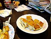 辦公室年終開會下午茶:101230-3.JPG