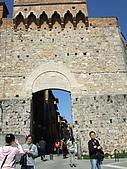 4/1義大利蜜月旅行(第(第四天)聖吉米那諾-比薩-普拉多:080401-0617San Gimignano聖吉米那諾.JPG