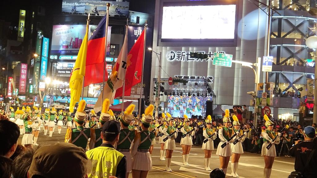 DSC08881.JPG - 2018年台北燈節踩街遊行