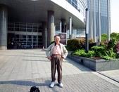 中國~故事江南旅遊活動。第5天:P1080472住宿~上海外高橋喜來登酒店(5星)國際連鎖~酒店前庭.JPG