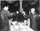 日本投降台灣光復:蔣毛同賀Chiang Kaishek and Mao Zedong celebrated the end of the Second Sino-Japanese War, Chongqing, China, Sep 1945_resize.jpg