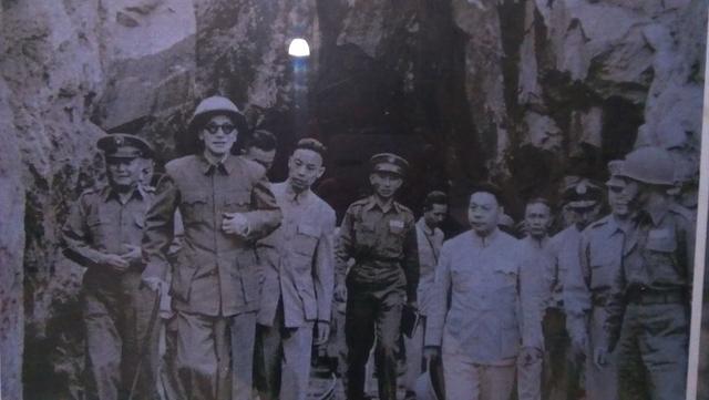 蔣介石逛金門:民國三九年.jpg