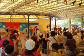2007年8月30日~9月2日_沖繩之旅_Day2:王國村大鼓秀,最後敎現場觀眾跳傳統舞蹈