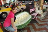 2007年8月30日~9月2日_沖繩之旅_Day2:苦瓜椅(不能坐,因為剛下了30分鐘的超大豪雨)