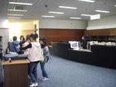 與國立中山大學第9期圖書館專業人員在職進修學分班的學生們去校外參觀_崑山科大圖書館_20100116:1766824699.jpg