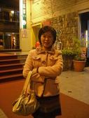 2008新春初三與國中同學-陳詩紋及她的家人與朋友們唱歌去...20080209:1834521380.jpg