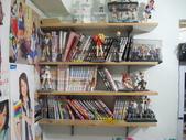 某S級宅男的閨房_滿滿公仔及AKB48牆(先澄清一下, 不是我的房間唷):1370882074.jpg