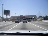 陳良弼2010美國行之墨西哥Tijuana之旅(到處是武裝警察、有趣的回美國邊境的龜速公路)0621:1746424229.jpg