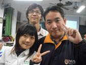 2009高雄高商進修學校3年8班拍畢業照_20091221:1411421755.jpg