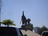 陳良弼2010美國行之墨西哥Tijuana之旅(到處是武裝警察、有趣的回美國邊境的龜速公路)0621:1746424238.jpg