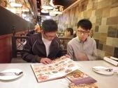 與畢業多年的可愛雄商學生們(月虹、愛雲、鐘仁)聚餐吃義大利料理_20120119:1809639132.jpg