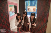 Yes!! 歷史性的一刻!!! AKB48新加坡官方店開幕!!! 2011_05:1465537733.jpg