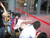 AKB48出席2011台灣金曲獎-走星光大道篇_20110618:1666610380.jpg