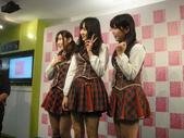 Yes!! 歷史性的一刻!!! AKB48新加坡官方店開幕!!! 2011_05:1465537737.jpg
