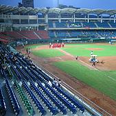 2006.03.22 新莊棒球場:球場內野看台