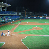 2006.03.22 新莊棒球場:謝佳賢打擊