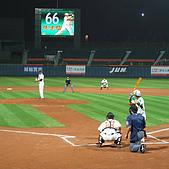 2006.03.22 新莊棒球場:張建銘打擊