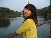 20090411 [新竹] Flying Fish & 寶山水:抬頭的角度有點怪 XD