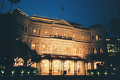 [Film 27] 2016年09~12月_新加坡 & 福壽山:我喜歡夜晚的「萊佛士酒店」,黃光配上藍天,令人著迷!