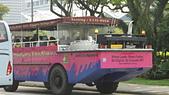 2012-03-24_新加坡第二天,徒步旅行市政區:115533_水陸兩棲的鴨子船 (觀光導覽船)