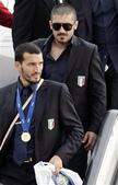 WC06_Azzurri:羅馬_Azzurri專機_Zambrotta&Gattuso