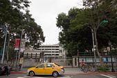 2013-05月生活:2013-05-05_一台計程車就可以擋住校門的延平!