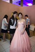 2013-03-17_拔的訂婚宴:背景是喜餅區~XD