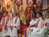 2005.10.23.48週年堂慶:彌撒_很多的神父同祭