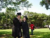 2005.06.05.畢業典禮(老哥):唉呀!飛失敗了...