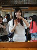2011-04-09_心之芳庭 & 國立台灣美術館:旁路人閃避不及!XDDDD