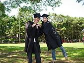 2005.06.05.畢業典禮(老哥):嗚嗚!還是失敗了...><