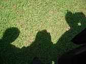 2005.06.05.畢業典禮(老哥):你們看得出這是誰跟誰嗎?