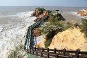 2012-10-15_南竿慢慢遊:浪潮不大時其實可以經由這串長長的樓梯走到海中