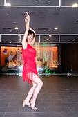 2014-10-18_Salsa表演 @大唐溫泉:今天的表演服裝;我的動作還是擺得不漂亮……><