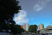 2012-07-21_寶藏巖與景美河堤:今天的天很藍、雲很美,如果加上漸層鏡就更完美了。