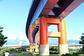 2012-07-21_寶藏巖與景美河堤:對焦點不同,色調完全不一樣。