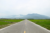 2012-08-09_鹿野、池上大坡池、伯朗大道、稻米原鄉館、羅山、六十石山:陰天+收割完成的「伯朗大道」