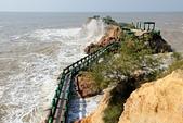 2012-10-15_南竿慢慢遊:因為海浪太大,所以就不能走在海中到「鐵堡」參觀了