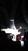2012年03月飛向SKY的日子:2012-03-24_最愛的還是彈鋼琴的小伍哥!