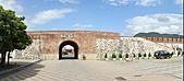 2010-10-26_我在墾丁*出火、社頂公園、墾丁大街:北門城牆 -- 漢文找亮亮談心的地方