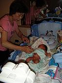 2008年10月15日小貝比出生:DSCF0401.jpg