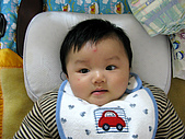 五個月的小佑佑和依珊:IMG_0002.JPG