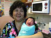 2008年10月15日小貝比出生:IMG_0054.JPG