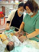 2008年10月15日小貝比出生:DSCF0371.jpg